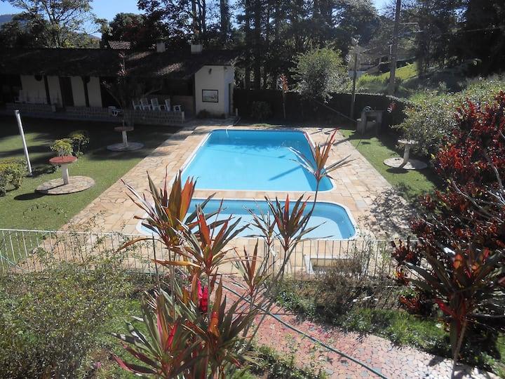 Casa inteira na serra, Miguel Pereira.