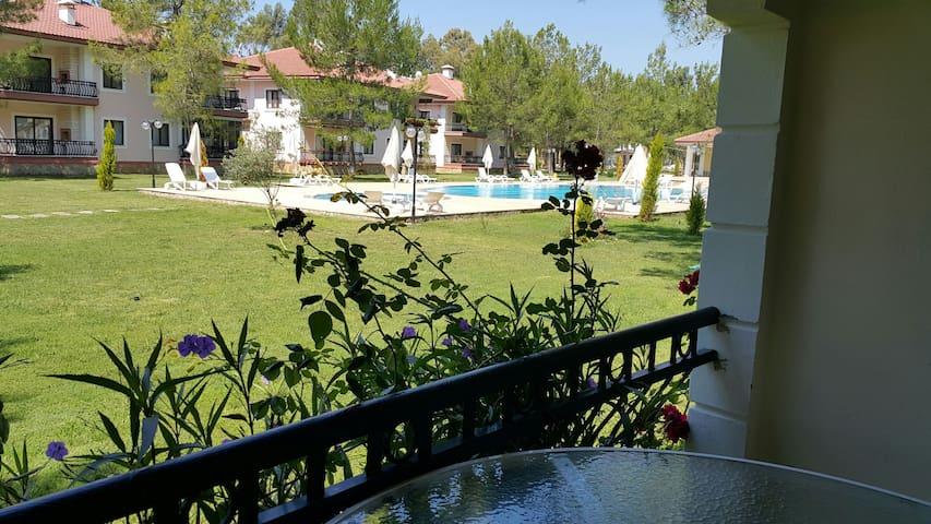 Havuzlu site içinde villa - Gökova mahallesi - Bed & Breakfast