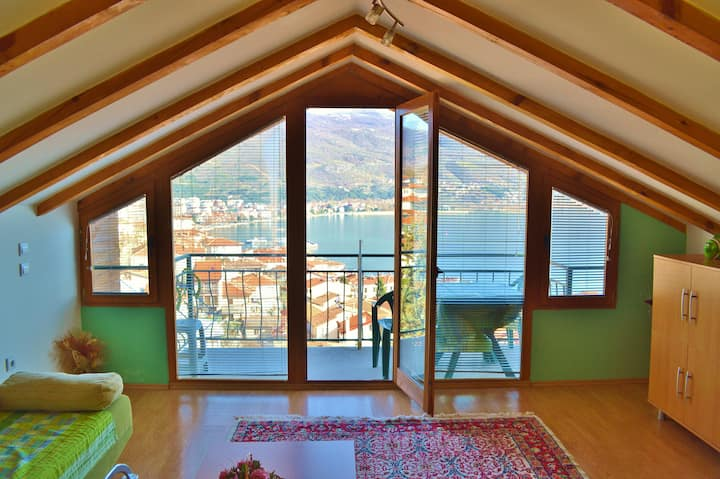 Yellow apartment in the old town - Villa Ohrid