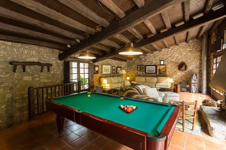 Apartamento en Garrotxa, con piscinas naturales.