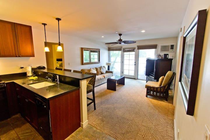 Quiet Luxury Condo 2 Bed/2 Bath - Lahaina - Condominium
