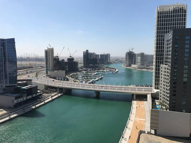 Luxury Private Room, Business Bay. 1km Dubai Mall