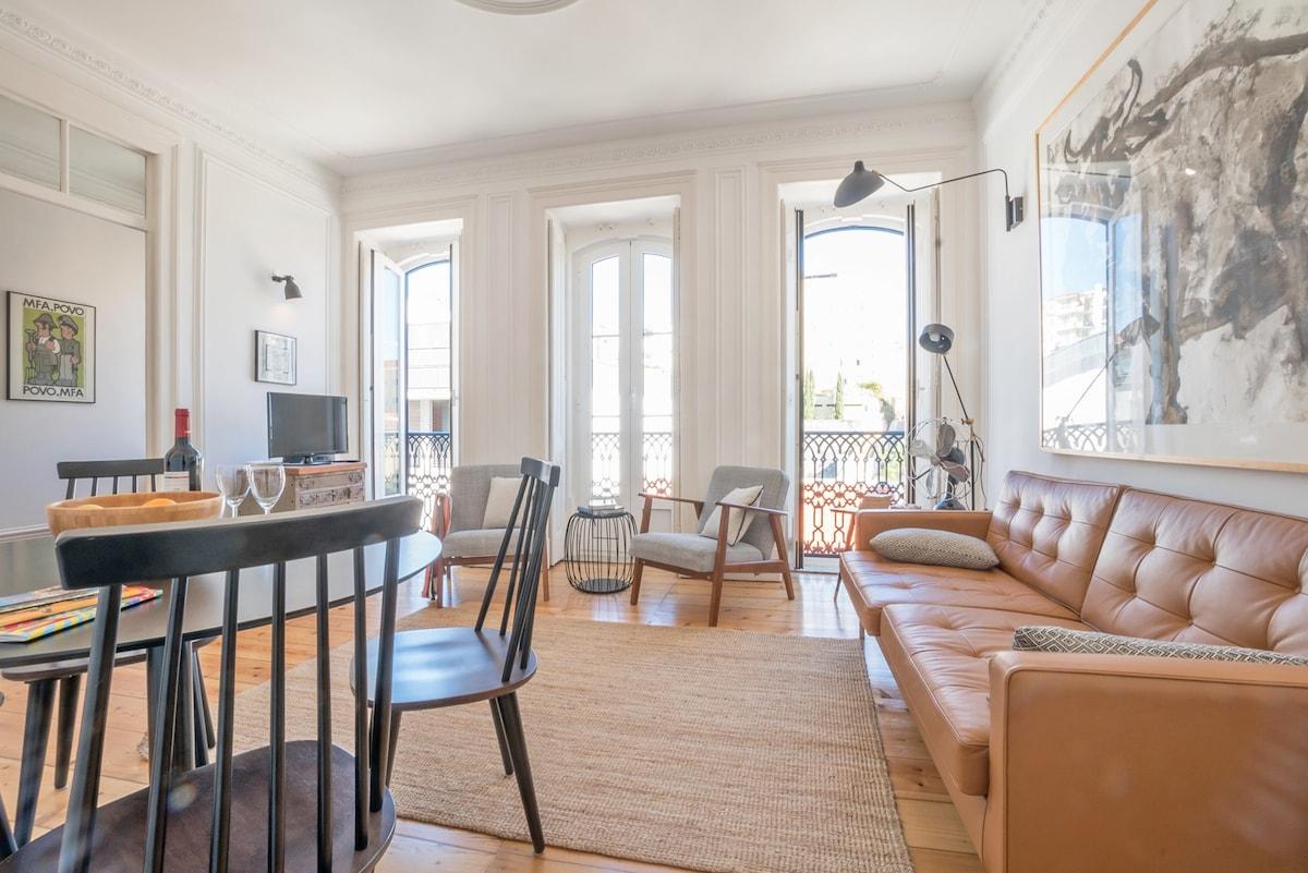 An Eclectic Lisbon Apartment   Appartements à Louer à Lisbonne, Portugal