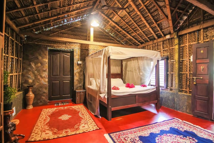 Deluxe Hut in Patnem Close to the Beach