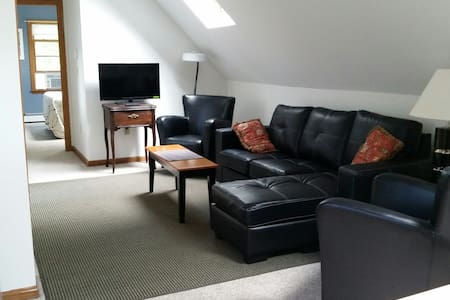 Classy Convenient Accommodations - Waterford - Wohnung