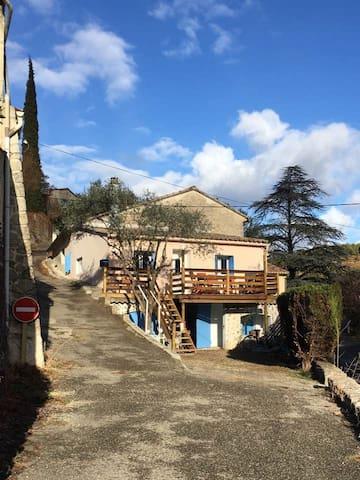 maisonnette en Provence face au Mont Ventoux