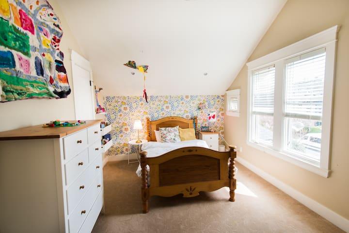 Bedroom 3, for ze children. Single size.