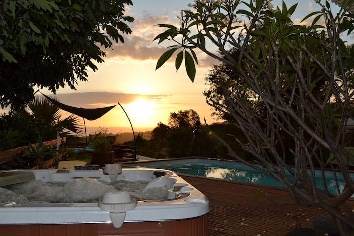bungalow cila 4 pers piscine /jacuzzi