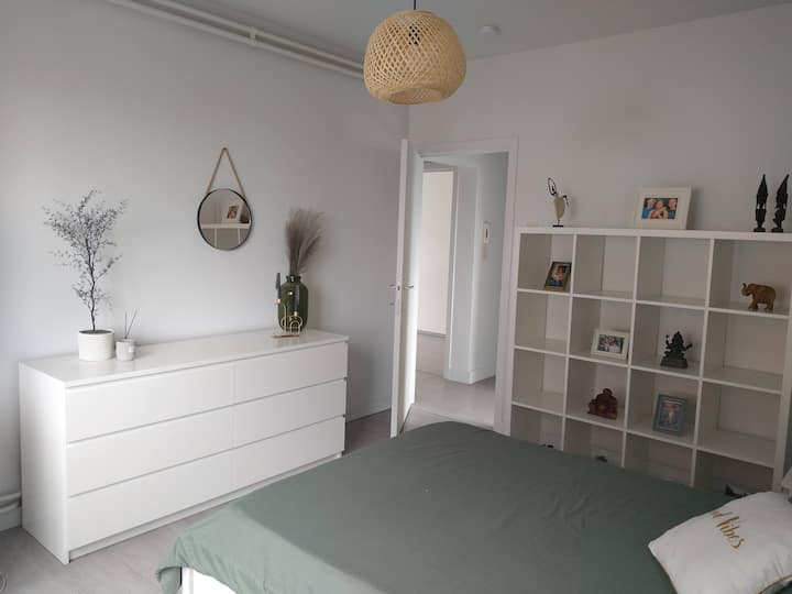 Quiet modern appartment, close to Ghent