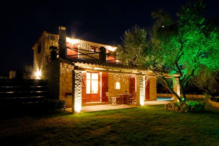 Giovanna's Cottage - Meso Gerakari - บ้าน