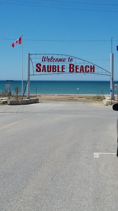 15 mins away from Sauble Beach