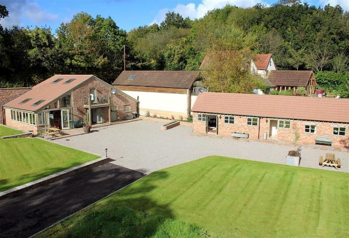 The Old Mill, Flaxley, Gloucestershire (H160)