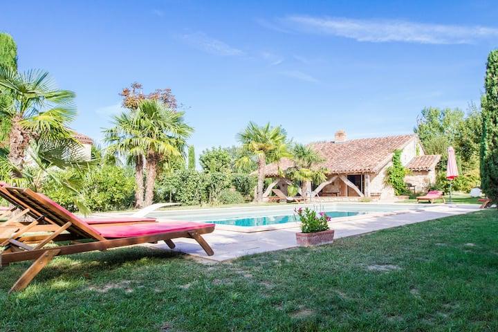 Gîte, le mas de Marie - piscine, jardin