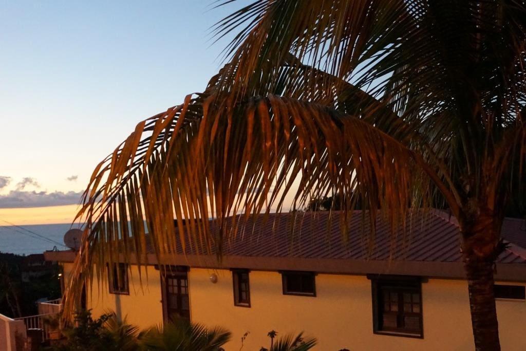 Villa Ansalane - Vue sur la Mer des Caraïbes au crépuscule