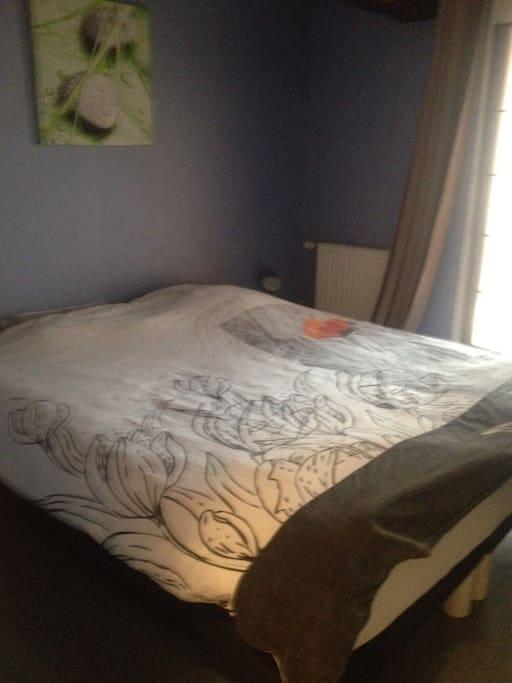 Chambre avec lit en 180