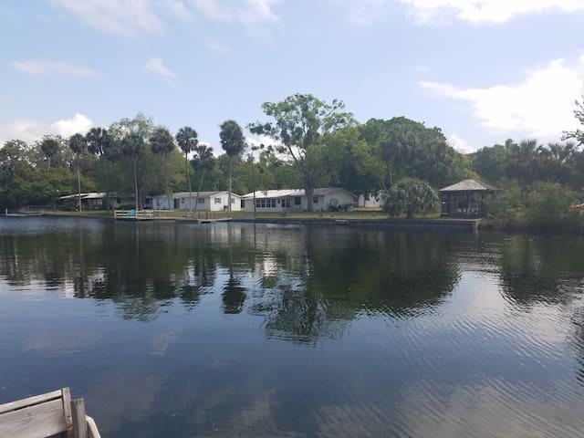 2/2 WATERFRONT House w/ Canoe & Kayak - Sleeps 7