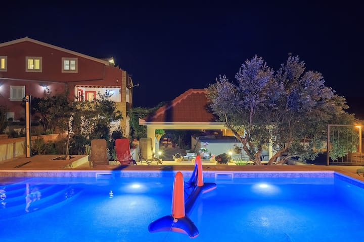4* brand new apartment with pool near Trogir,  A1