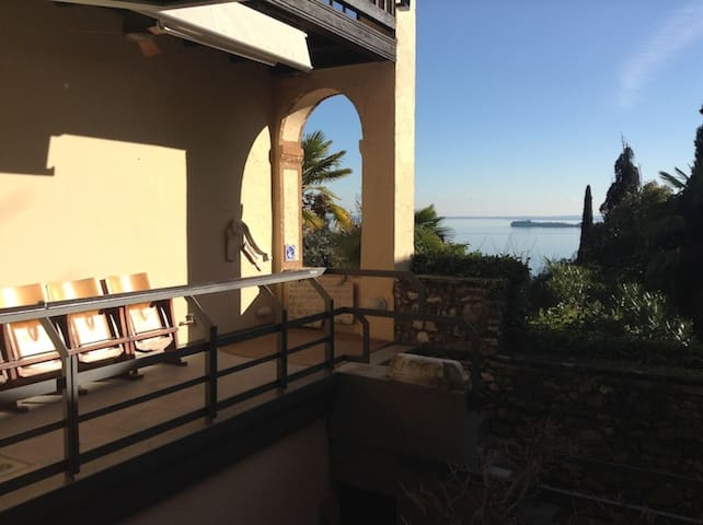 Recently Renovated Villa Great Lake View - Gardone Riviera - House