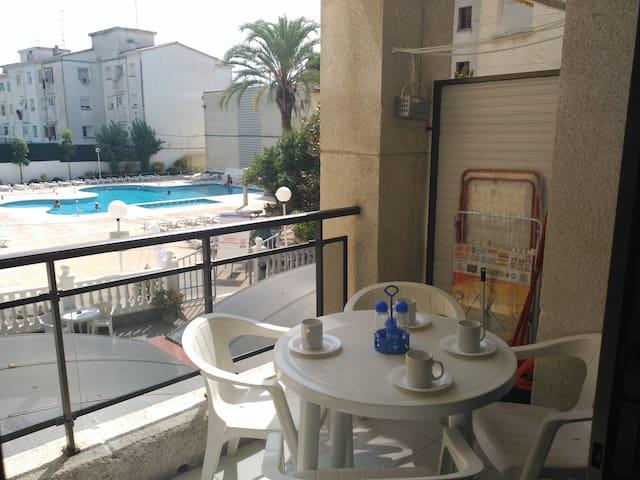 T028 Apartamento con piscina  en Calella - Calella