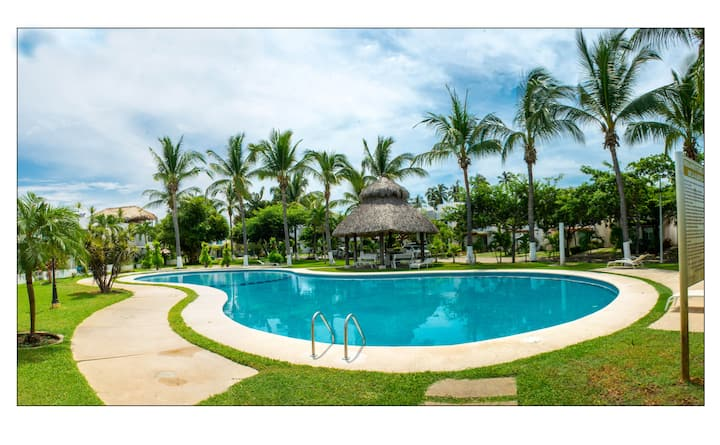 House in Zona Diamante with pool & private garden