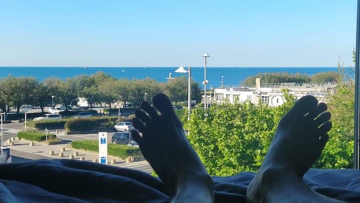2 pièces-Terrasse-face à la mer-WiFi-plage à 100m