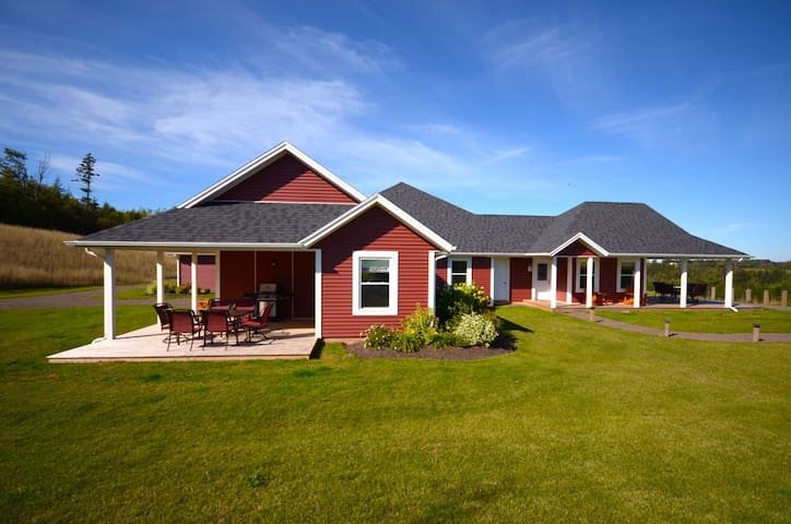 The Gables of PEI Resort Luxury Villas - Green Gables - Casa