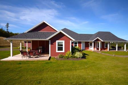 The Gables of PEI Resort Luxury Villas - Green Gables - Ev