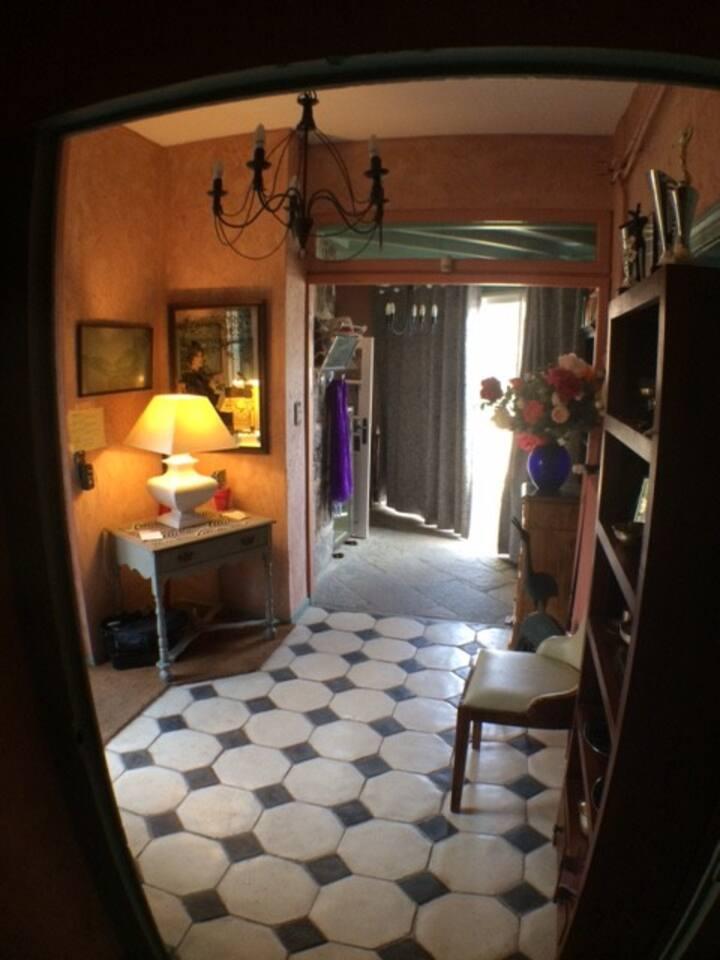 *** Ch Arsène-Le Prieuré- Salle de bain privée.