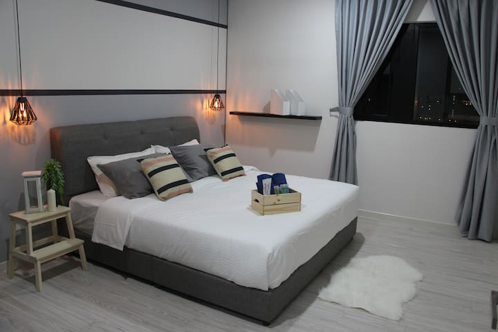 Premium quality King Bed