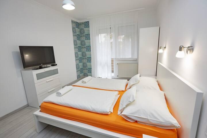 Anna-Kölcsey 32 Apartman, földszint, terasszal