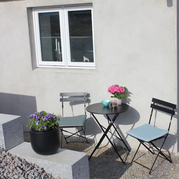 Lovely south facing outdoor space in peaceful residential area