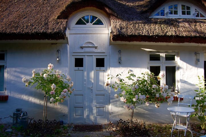 idyllisches Reetdachhaus