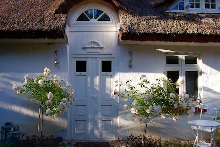 idyllisches Reetdachhaus - Kluis
