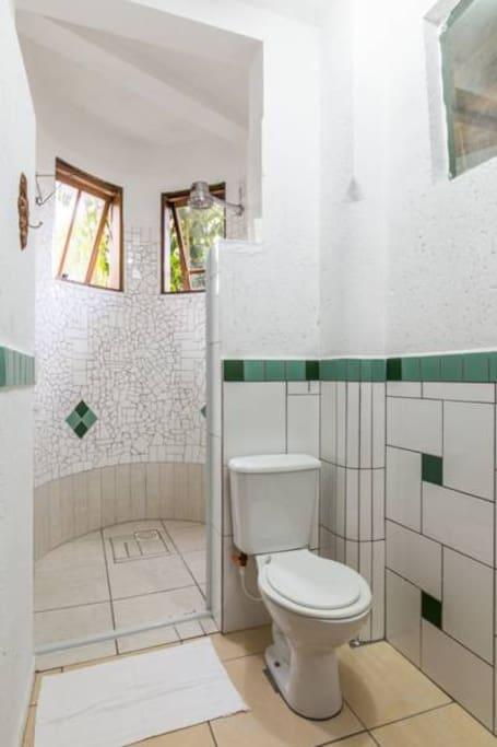 Banheiro privado fora do quarto