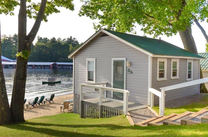 Timber Cottage, a cozy place on Lake Winnipesaukee
