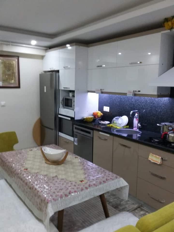 Örnekköy'de İzmir Çevre Yolu'na yakın daire