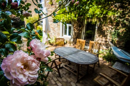Maison de charme ardennaise et fleurie