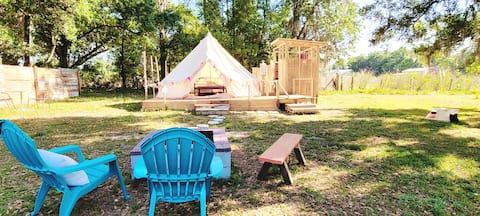 Cozy Glamping @ Turkey Berry Patch!  (2 ACRES)