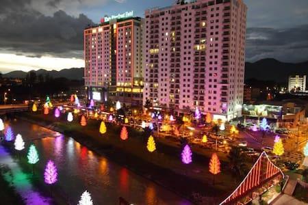 Kinta Riverfront Suites Ipoh 3BR - Ipoh - Wohnung