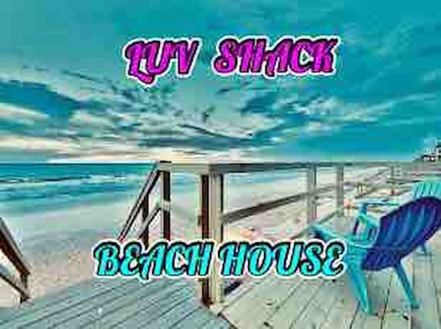 THE LUV SHACK~ Romantic Beachfront Apt.~ Sleeps 3