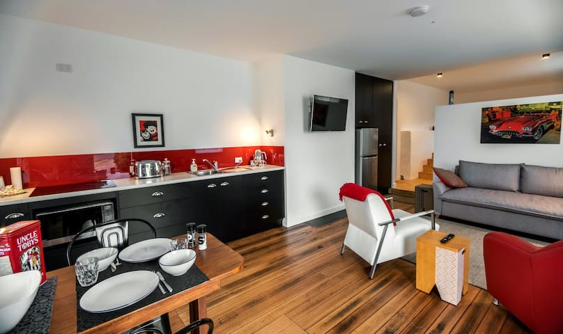 The Postmaster's Studio Apartment  Derby Tasmania