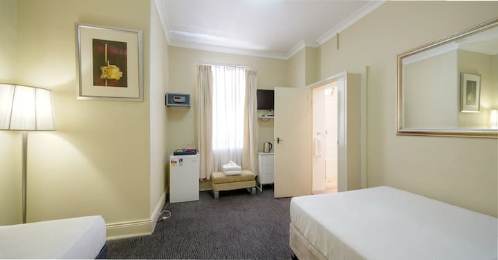 Hotel - Private Family Room En-suite