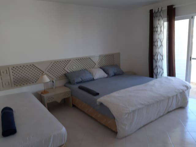 Suite in front of sea with swimming pool