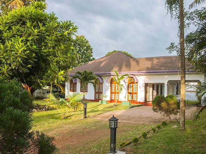 Ranhyme Villa near Airport