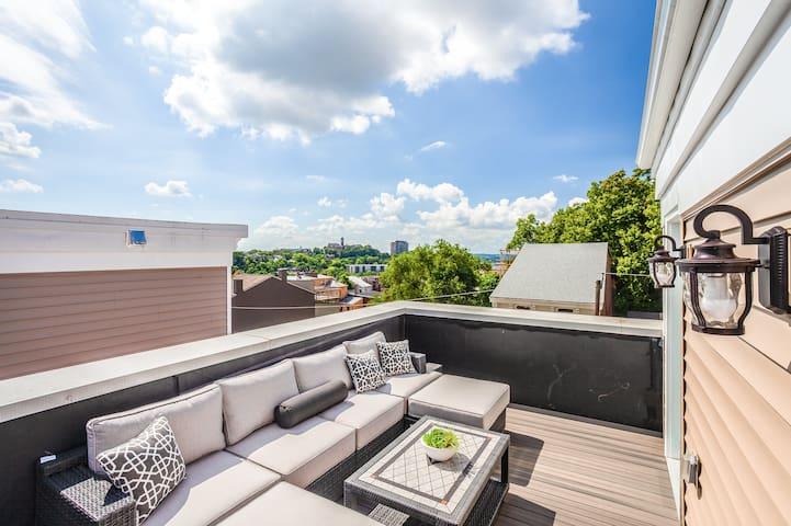 Modern 3B+Rooftop 5 Min to Downtown, UC Hospital