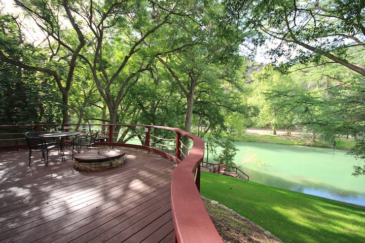 Ponderosa Paradise- Waterfront Home on the Guadalupe River!