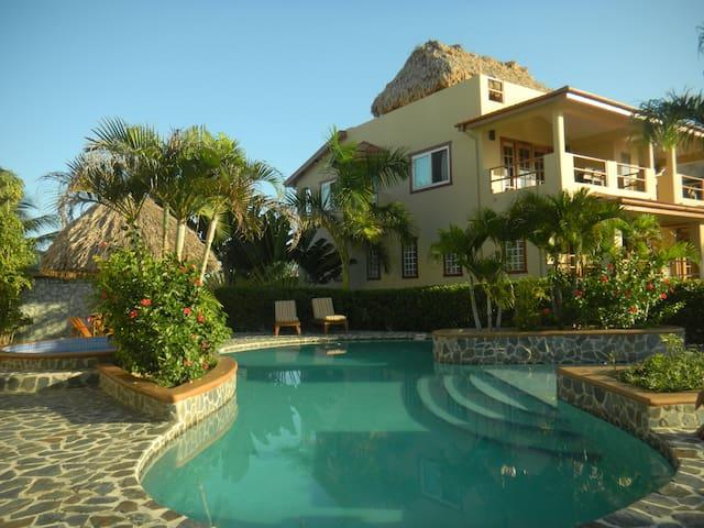 Casa de Amigos - Placencia - Townhouse