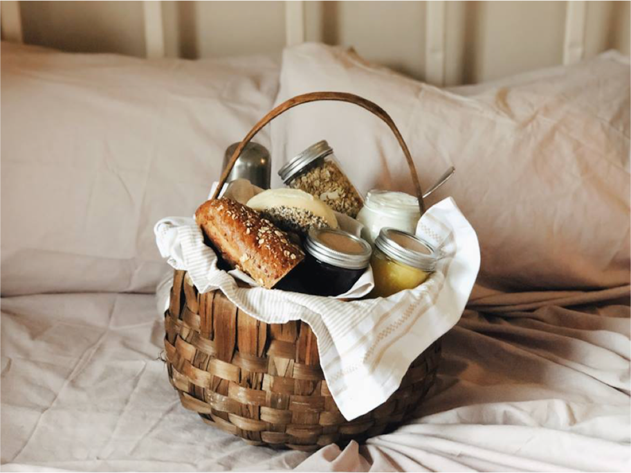 At The Lady Pomona breakfast is served in a picnic basket,  left by your door of your room every morning. It's up to you to choose whether you prefer breakfast in bed, in the sunroom or in the garden. The basket is filled with fresh bread, other local treats and coffee or the - whichever you prefer.