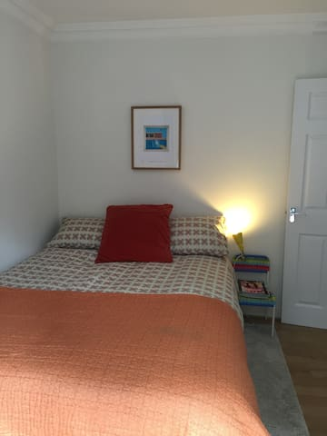 Lovely Double Bedroom in leafy Chislehurst - Chislehurst - Rumah