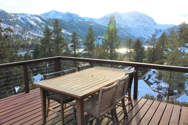 Monthly Rental! Sleeps 10 with an indoor hot tub and amazing views!
